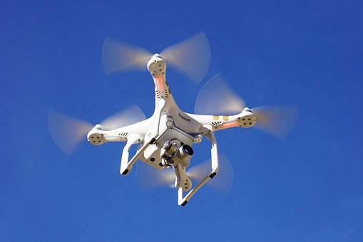 La Livraison De Medicaments Par Un Drone Pharmapreneur